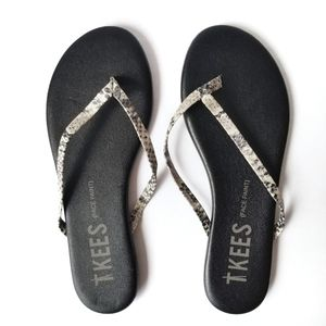 TKEES | Face Paint Grey Snake Flip-Flops